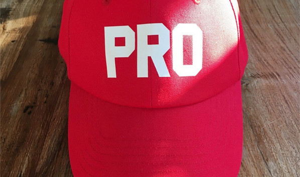 gorra-roja-fhsince.jpg