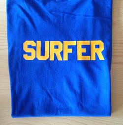 camiseta azulona