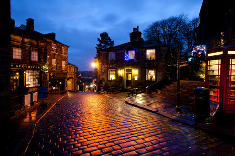 haworth main st xmas day 2012 12 - Copy.