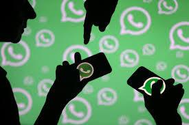 I genitori devono controllare i figli su WhatsApp