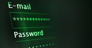 Accede alle email dell'ex marito: è reato anche se conosce la password