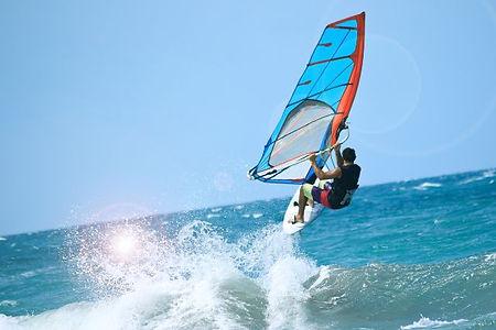 ウィンドサーフィンで使用する道具