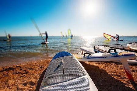 ウィンドサーフィンとはどんなスポーツ?