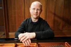Jeffrey Ladeur, pianist