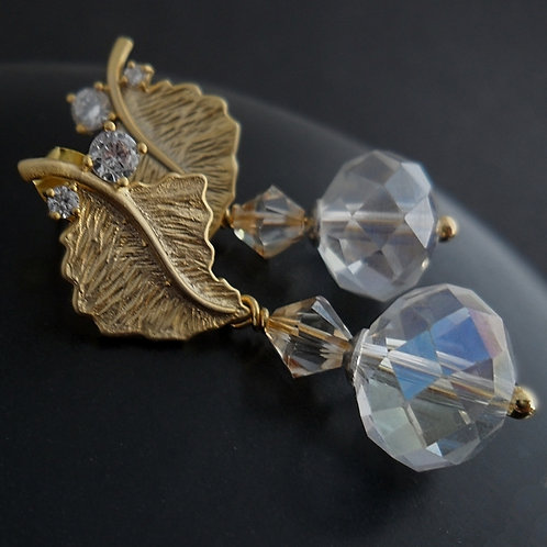 Goldean leaves - earrings with crystals