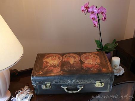 Vintage suitcase decoupage tutorial