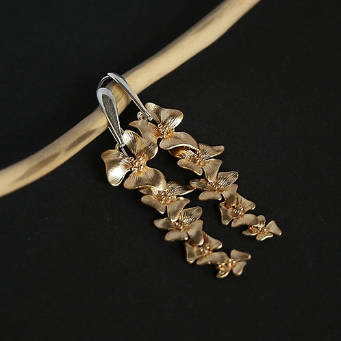 Gold flowers - elegant silver and gold earrings