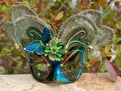 Mariposa Hermosa Mask in Green