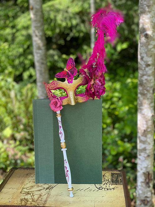 Colombina Floral Stick Mask in Fuchsia