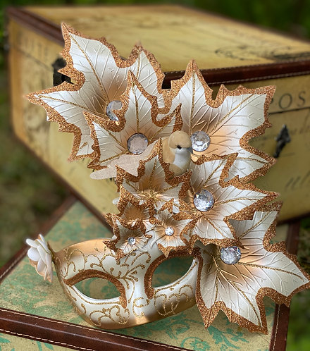 Autumnal Reverie Mask in White/Copper