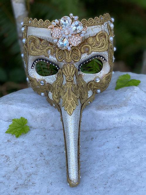 Brocade Casanova Mask in Gold