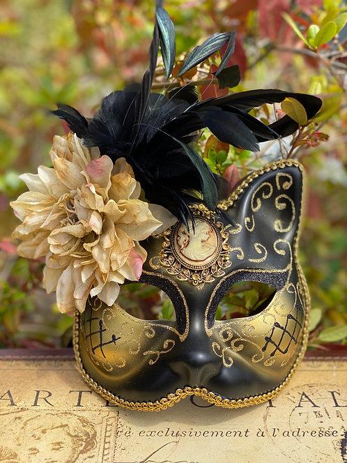 Black Cameo Gatto Mask