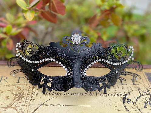 Filigree Mask in Black