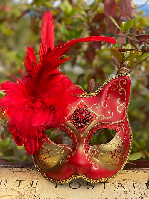 Ruby Red Gatto Mask