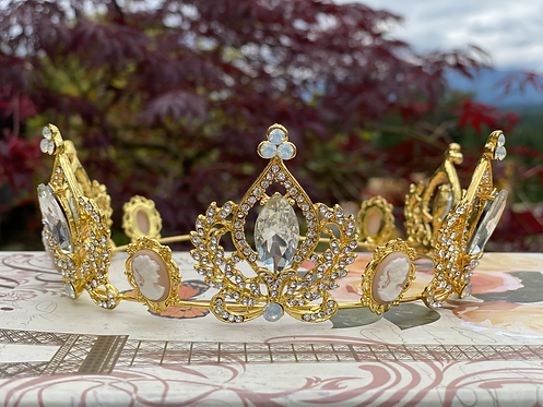 Golden Cameo Crystal Crown