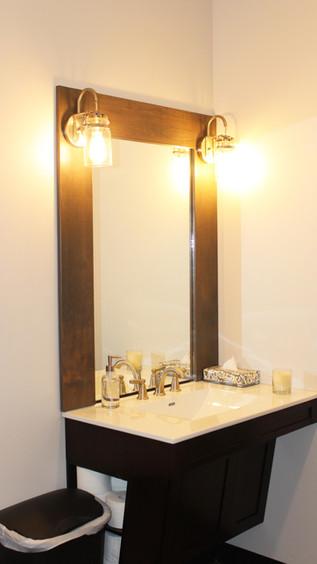 Valor & Violet - Bathroom
