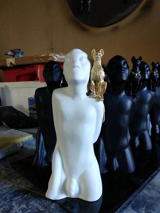 """פסל אומנות """"מוטי"""""""
