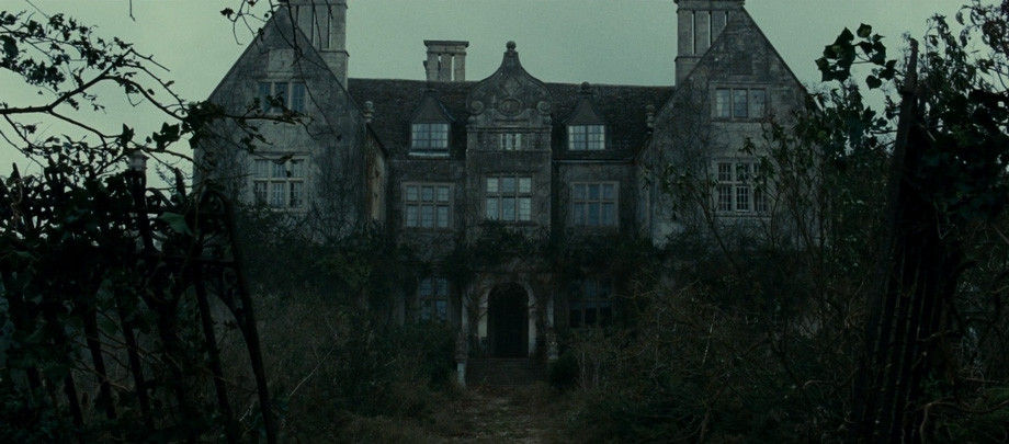 The Woman in Black TOP 5 CREEPIEST HORROR FILM LOCATIONS