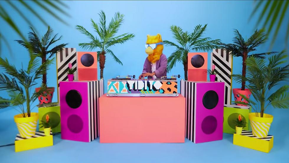 LLAMA // Lego Vidiyo