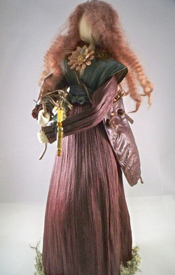 6.-The-Priestess