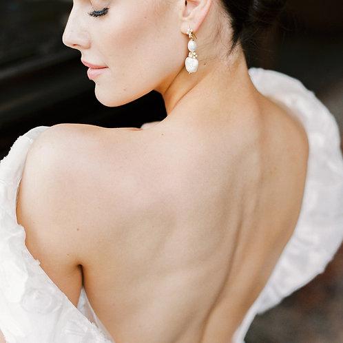 KARENINA | Pearl Heart Earrings
