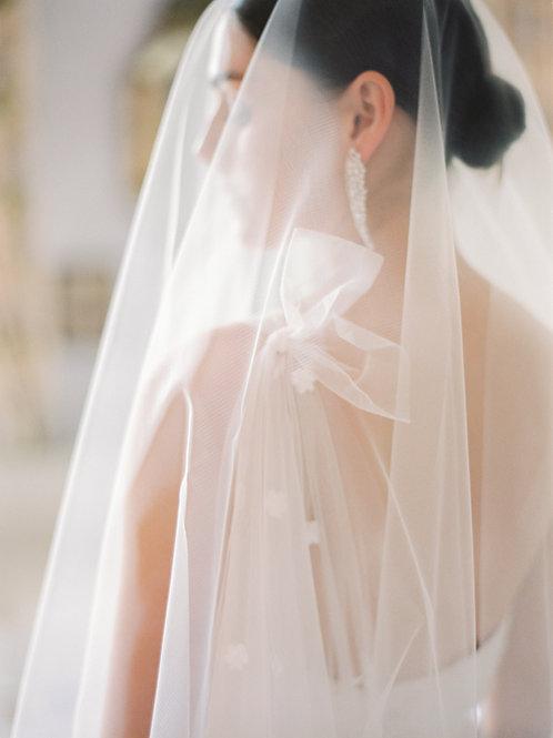 GOSSAMER | Delicate sheer circular drop veil