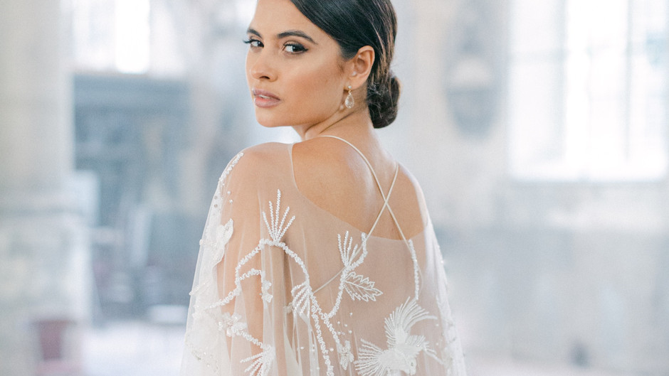 How To Choose The Perfect Wedding Cape