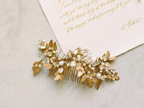 TOUJOURS | Pearl Bridal Comb