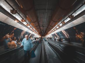 JCDECAUX propaga a mensagem do Novembro Azul nas estações de Metrô de SP