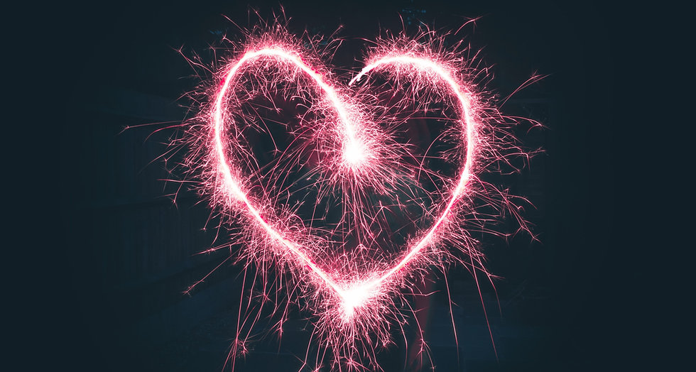 heart%20shaped%20pink%20sparklers%20photography_edited.jpg