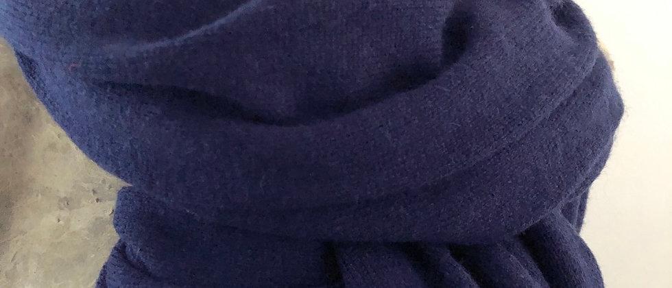Tricoté bleu marine