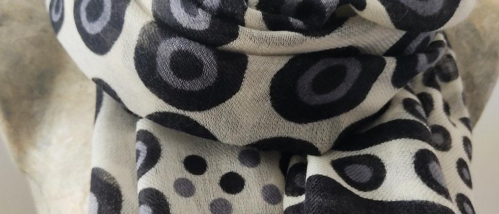 Étole avec motifs ronds noirs