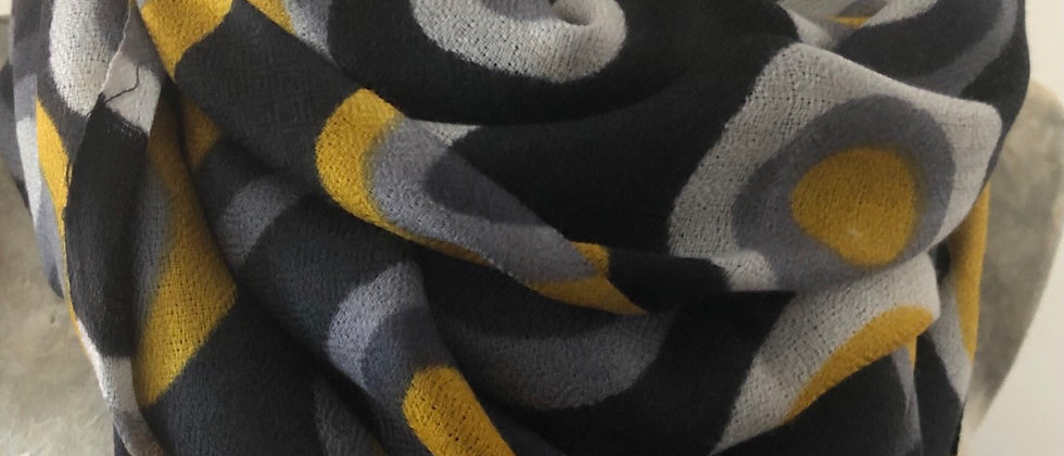 Ronds moutarde sur noir