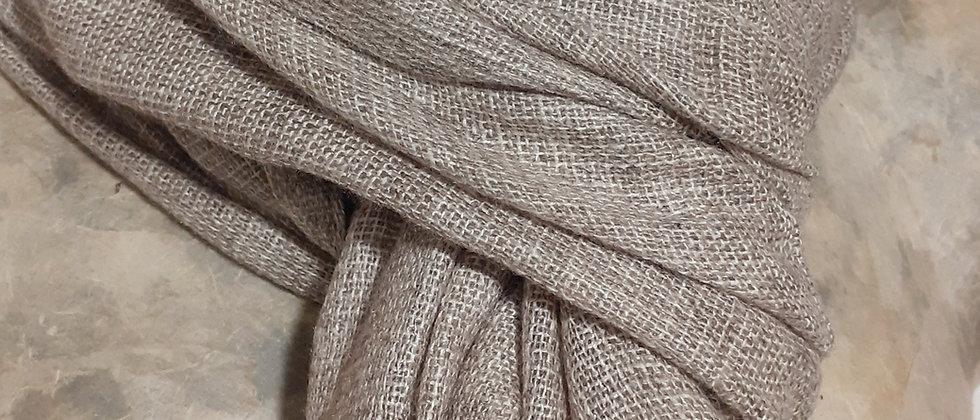 Étole taupe à bordure grise et tissage texturé