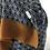 Thumbnail: Étole rouge à imprimé géométrique