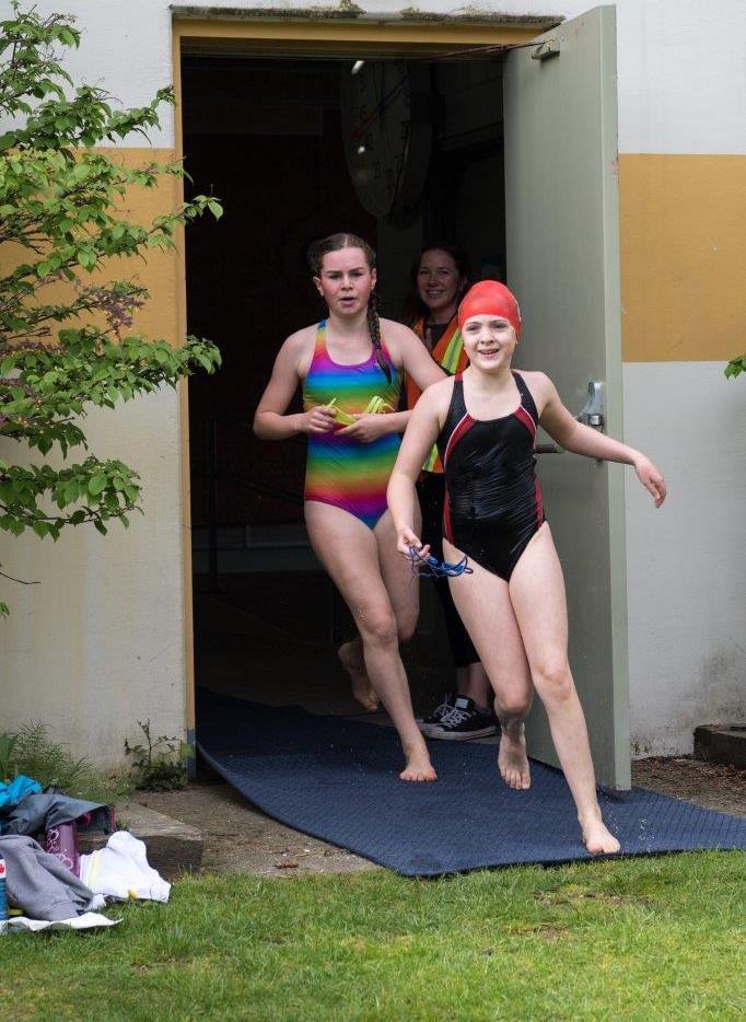 Pool ex 4-5775.jpg