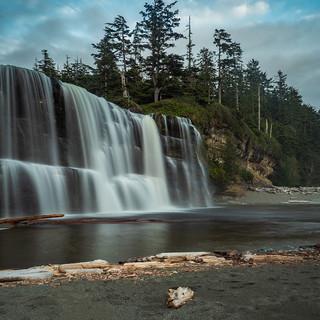 tsusiat-falls-3753188_960_720.jpg