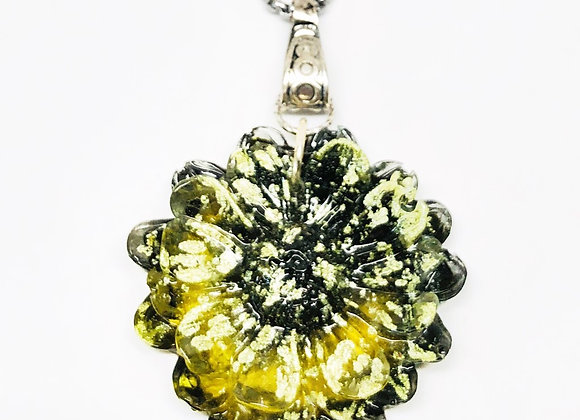 Tresino Green flower resin necklace pendant jewelry front