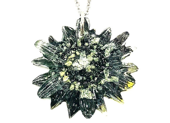 Tresino green black gray silver flower resin necklace pendant jewelry front