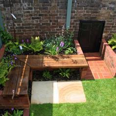 Functional family garden in Brighton