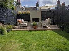 Cosy Contemporary Family Garden