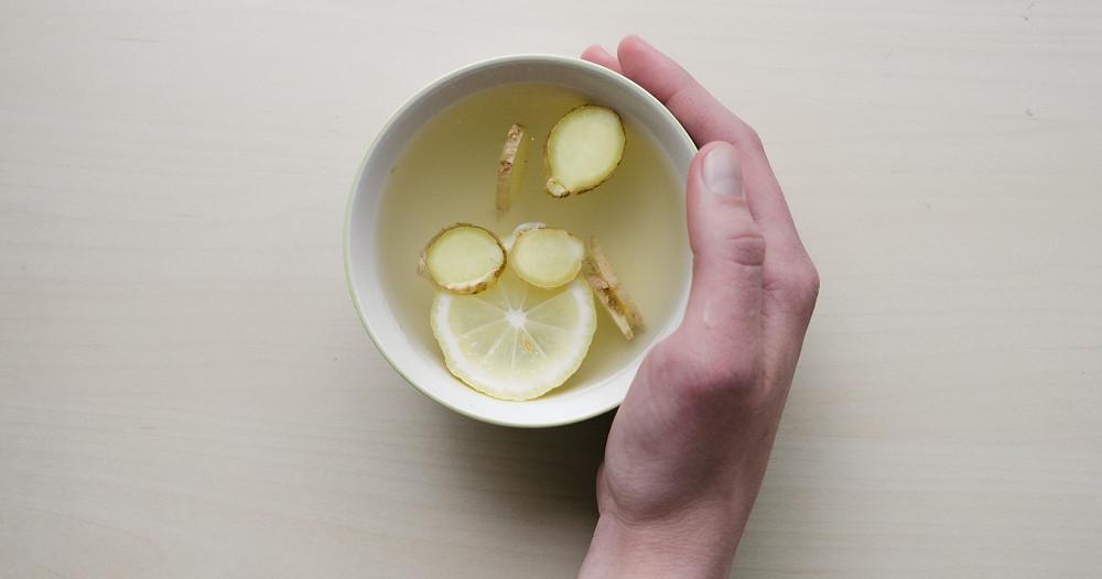 Homemade Lemon and Ginger Tea