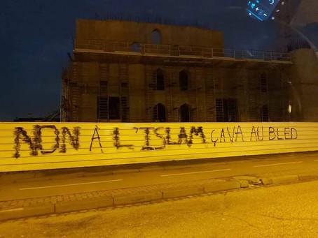 """Il tag sur la mosquée """"Non à l'Islam, ca va au bled"""", il est poursuivi pour dégradation de bien"""