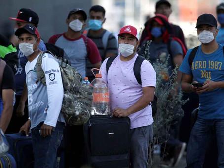 Más de 100 migrantes han fallecido por covid-19 en México: Ssa