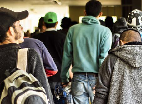 La pandemia de COVID-19 no puede ser excusa para encarcelar a refugiados y solicitantes de asilo