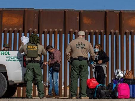 Cuatro estados de EU envían más policías a la frontera con México por aumento de migración