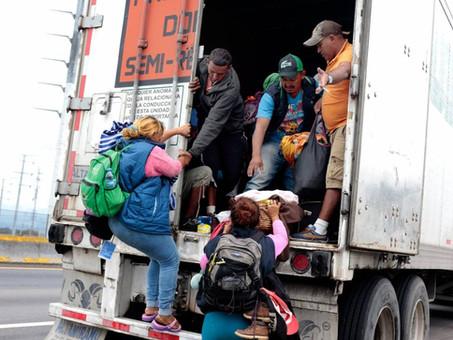 Madre hondureña pide que le regresen a su bebé encontrado solo en México