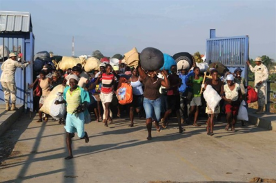 Caravana de cientos de migrantes sale de Chiapas rumbo a Estados Unidos