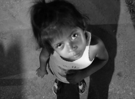 Los niños retornados de Estados Unidos a Centroamérica y México corren un doble peligro.