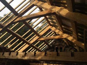 Adzed trusses - Oak Framing.